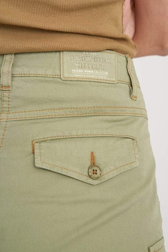Зеленые шорты с карманами Aeronautica Militare 4118